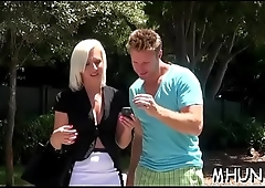 Milf without hesitation widens her legs to have a fun the sex