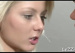 Gorgeous dyke gets a lusty face sitting with loads of unfathomable fingering