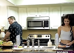 Horny Wife Makes Step Daughter Share Cock While Dad Cooks S7:E8